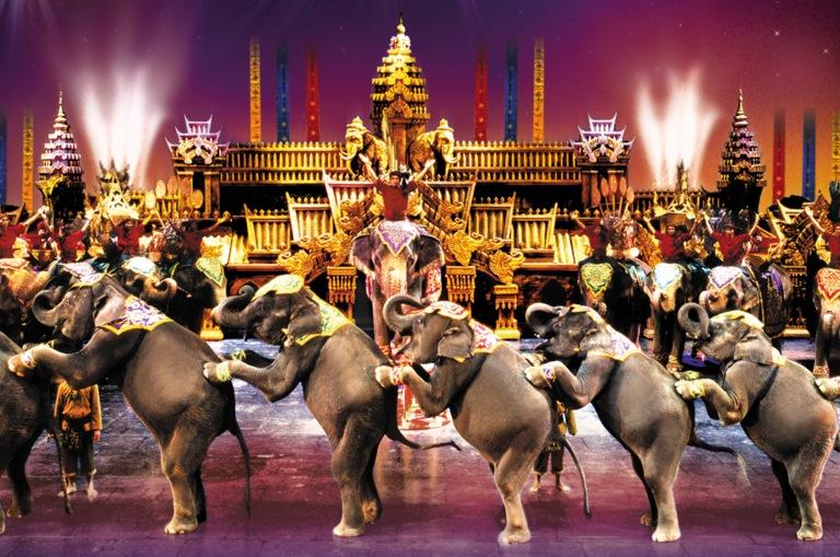 phuket-fantasea-show-elephants1