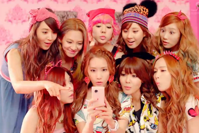 Girls-Generation-Dancing-Queen-MV