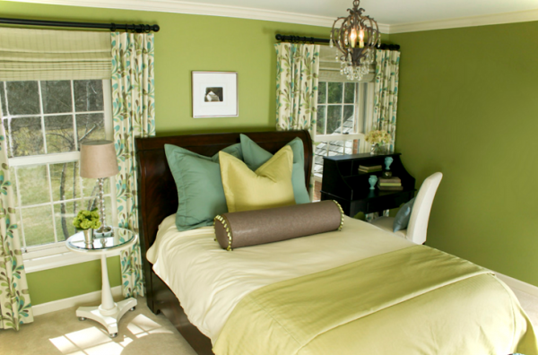 sage-green-and-brown-bedroom-ideas-600x396