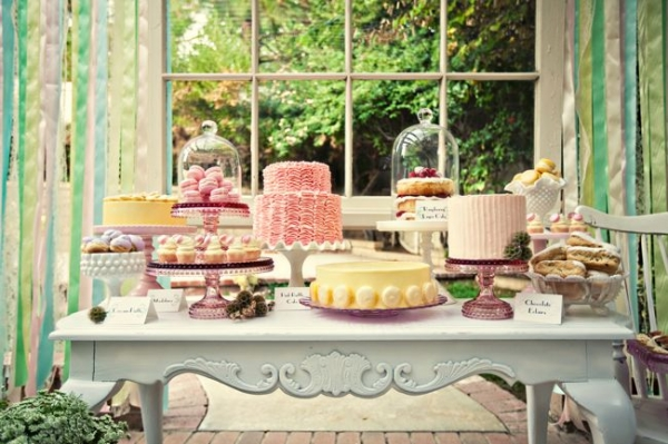 wedding-desserts-cakes-tables-05