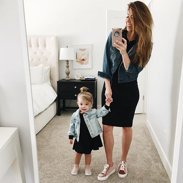 72a60518894726ebed9a22a285880d9e--mother-and-daughter-goals-mom-and-daughter-matching-outfits