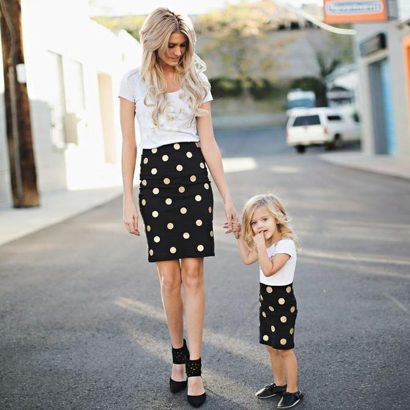 matching-mother-daughter-clothes-family-look-short-sleeve-ankle-length-polka-dot-mom-and-daughter-dress